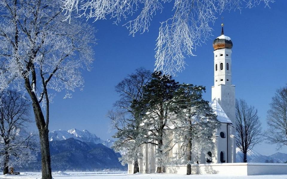 Hram-goryi-zima